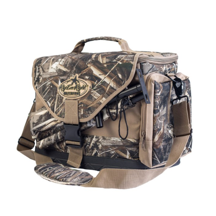 Rig 'em Right Deluxe Spinner Bag